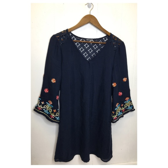 Dresses & Skirts - Blue Bohemian Bell Sleeve Shift Dress embroidered